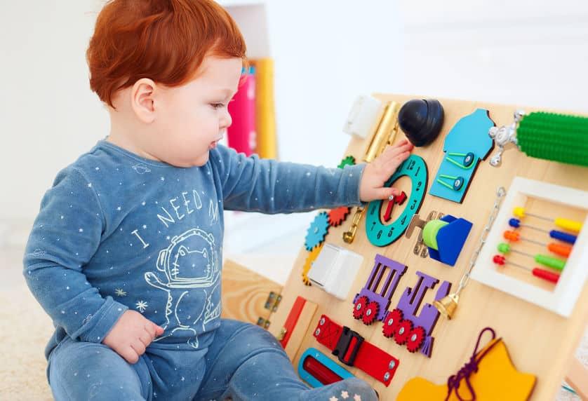 tavolo-gioco-per-bambini-prima-xcyp1