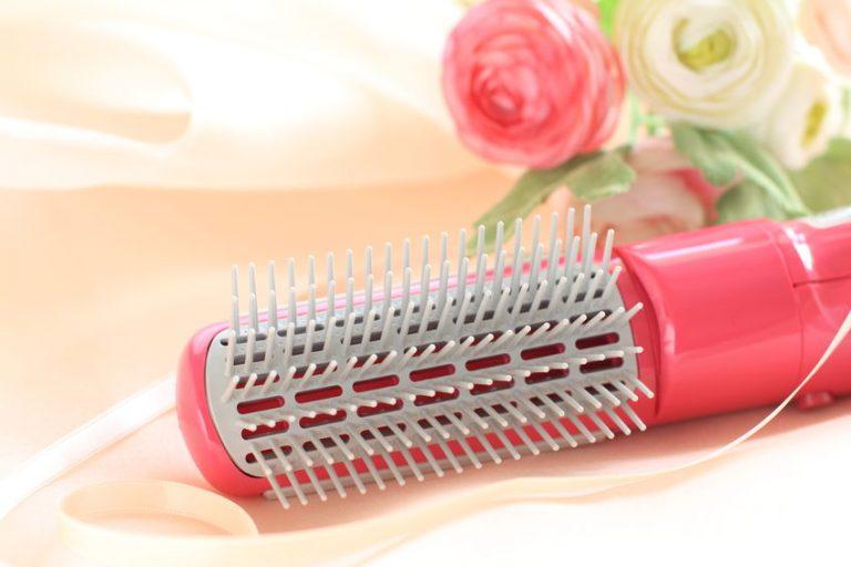 Particolare su una spazzola rosa