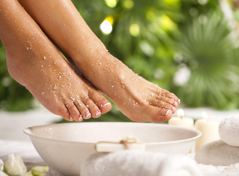 pies en sales de baño