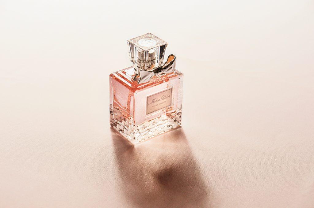 Foto de um perfume Dior.